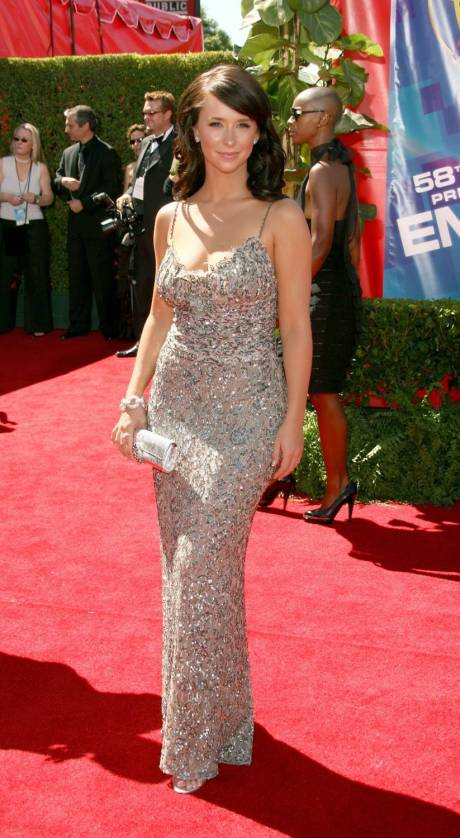 16792_jennifer_love_hewitt_58th_annual_primetime_emmy_awards__arrivals_04_122_428lo.jpg